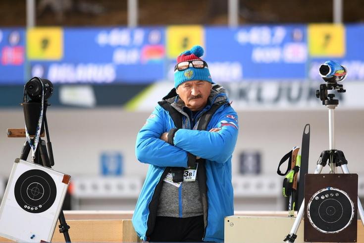 Главный тренер сборной России по биатлону Хованцев недоволен провалом в супермиксте