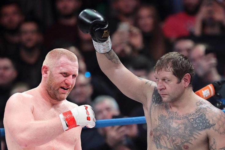 Александр Емельяненко принял вызов на бой от Сергея Харитонова