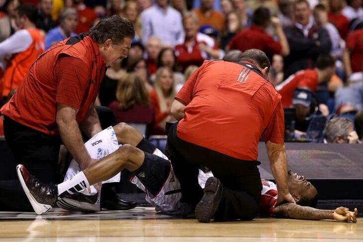 Растяжения, надрывы связок, воспаления. Как лечить спортивные травмы: к какому врачу идти, вылечат ли бесплатно?