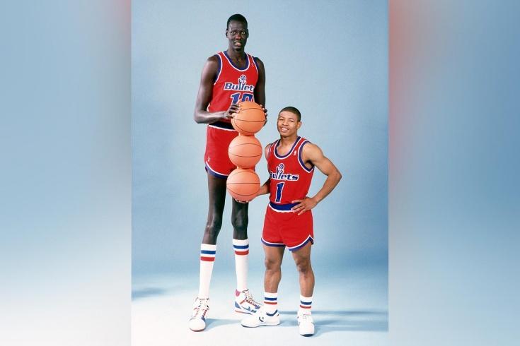 Трагическая история жизни самого высокого баскетболиста в истории НБА Мануте Бола