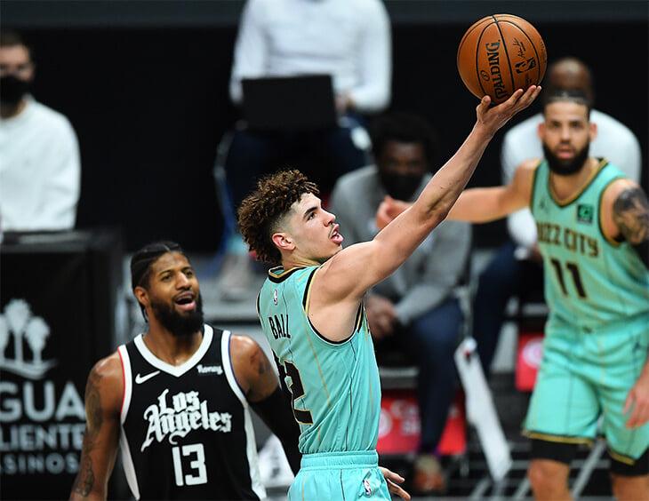 Лучший новичок НБА травмировался до конца сезона. Ламело Болл зажег круче всех, хотя в него не верили